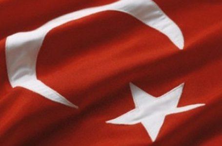 TURKI KUTUK POLISI JERMAN BERSENJATA GEREBEK MASJID